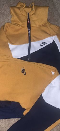 Blue/Gold Nike Jogging for Sale in Fitzgerald,  GA