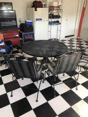 Outdoor patio furniture for Sale in Glendale, AZ