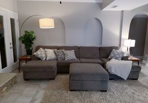 Pet free smoke free sectional and ottoman for Sale in Roswell, GA