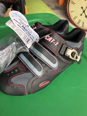 Size 40 road bike shoe. New. Carbon fiber for Sale in Bend, OR