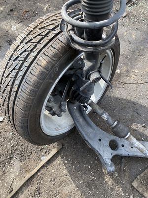 Suspension completely and rims tires Hyundai Elantra 2014 for Sale in Opa-locka, FL