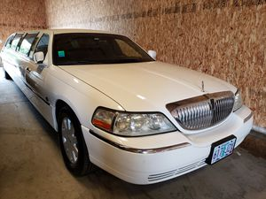 2006 Lincoln town limo for Sale in Portland, OR