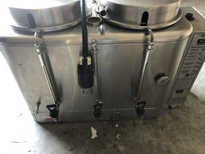 Wilbur Curtiss commercial coffee urn for Sale in Austell, GA