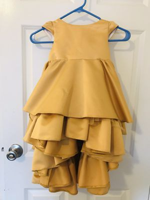 Gold flower girl dress for 6 yr old girl for Sale in Alexandria, VA
