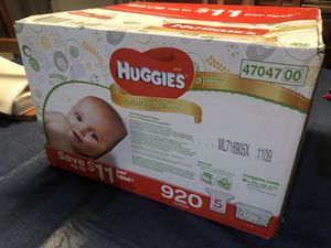 Huggies natural care wipes x100 for Sale in Berlin, CT
