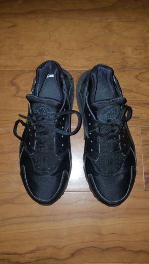 Nike air huarache womens shoes 7 for Sale in Columbia, MD