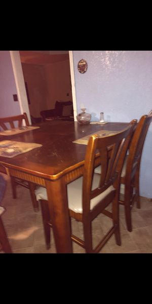 Tall kitchen table for Sale in Pharr, TX