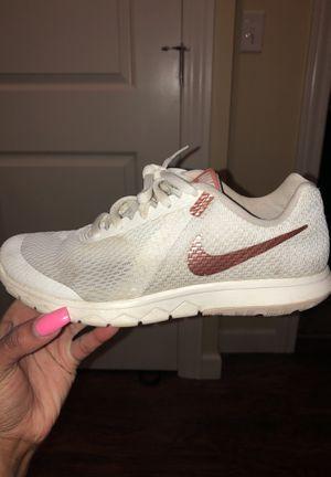 Women's Nike running shoe size 6 for Sale in Detroit, MI