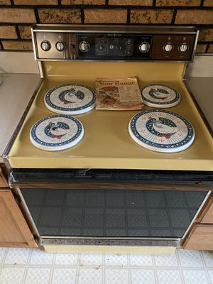 GE Electric Range for Sale in Santee, CA