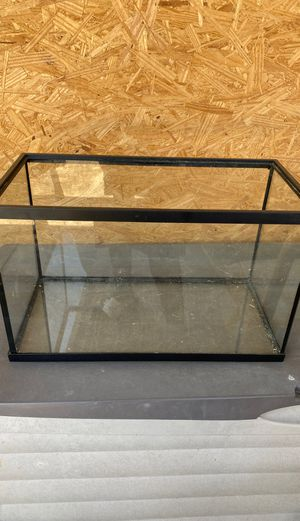 Fish Tank (no lid) for Sale in Houston, TX