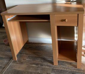 Desk for Sale in Passaic,  NJ
