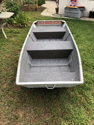 Fishing boat and trolling motor for Sale in Glendora, CA