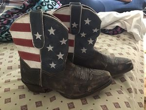 Pure classic original boots. Excellent condition! Women Size 7!!! for Sale in Bloomington, IL