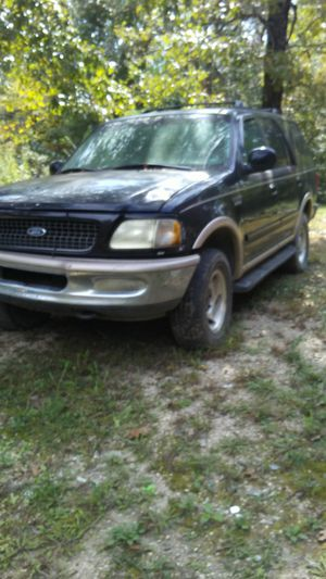 1998 ford exspedtion 4x4 for parts for Sale in Gravois Mills, MO