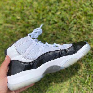 Jordan 11 concords used size 7 for Sale in Chula Vista, CA