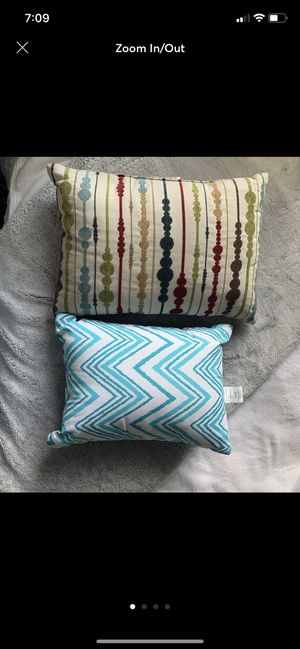 2 throw pillows for Sale in Stockton, CA