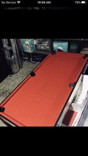 Air hockey table with bleard for Sale in Baltimore, MD