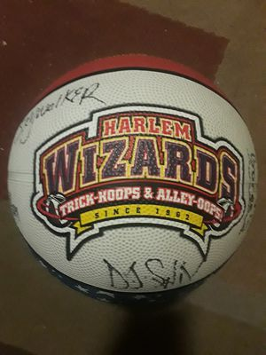 Harlem Wizards authentic signed basketball for Sale in Florissant, MO