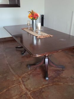 Wood Table for Sale in Pico Rivera,  CA