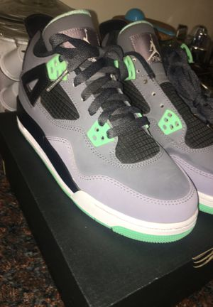 Jordan's 4 Green Glow. Size 5Y for Sale in San Leandro, CA