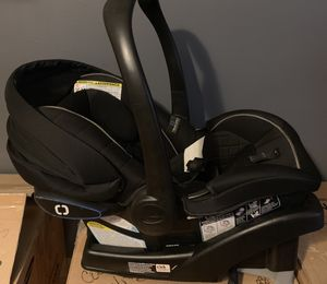 Graco infant car seat and base for Sale in Chicago, IL