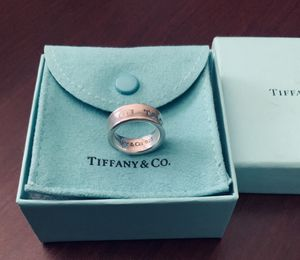 AUTHENTIC EXCELLENT CONDITION TIFFANY & CO 925 RING SIZE 5.5 for Sale in Peoria, AZ