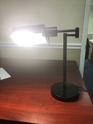 Desk lamp/ Lampara de escritorio for Sale in Miami, FL