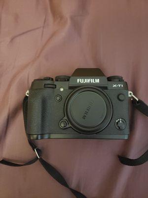 FUJIFILMX-T1 Mirrorless Digital Camera Body for Sale in Riverview, FL
