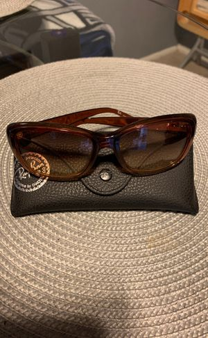 Authentic Women RayBan Sunglasses for Sale in Hyattsville, MD