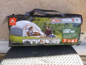 3 Person Dome Tent (Firm) for Sale in Gardena, CA