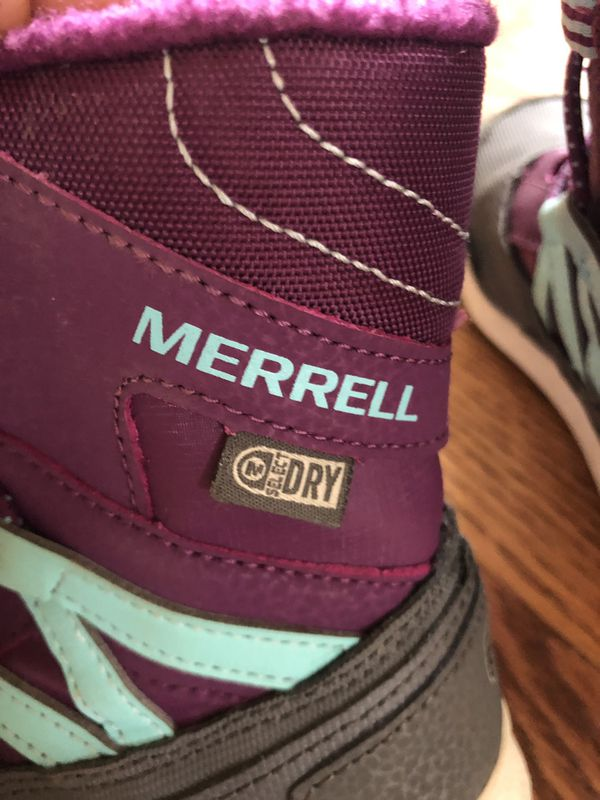 Merrell kids girl snow boots size 11 excellent condition