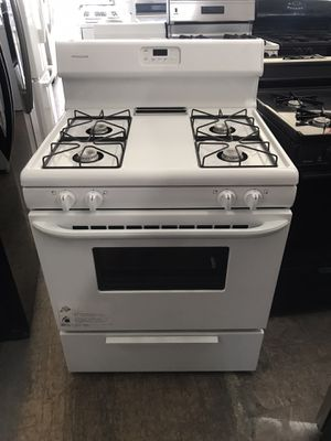 "Vertex appliances. Used, frigidaire,30 "" gas stove, white color, open burners, electronic ignition, great new condition for Sale in San Jose, CA"