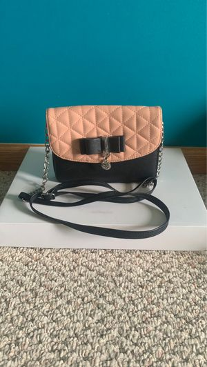 Jessica Simpson Cross-body Bag for Sale in Saginaw, MI