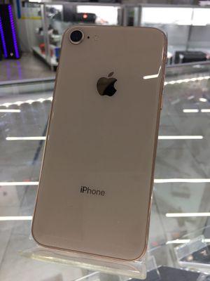 iPhone 8 Rose Gold Desbloqueado en Novedades Pasco for Sale in Pasco, WA