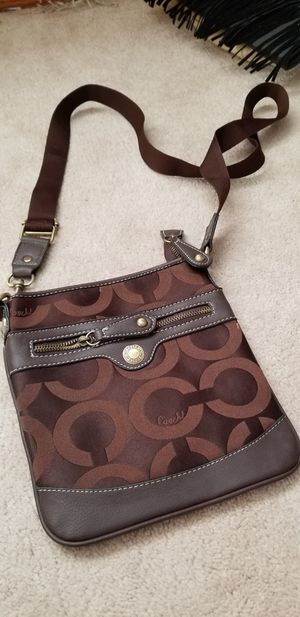 Brown Coach purse for Sale in Vandergrift, PA
