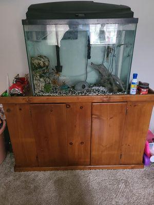 Fish tank 40 gallons pesera for Sale in Garland, TX