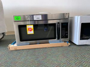 BRAND NEW!! UMV1160CS OVERHEAD MICROWAVE!!! TWUL0 for Sale in South Gate, CA