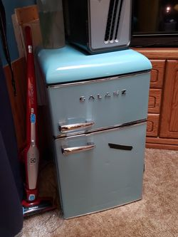 Mini Fridge for Sale in Canby,  OR