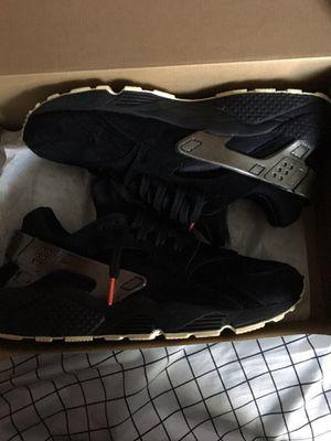 Nike Air Huarache Black/Silver Size 11 for Sale in Lehigh Acres, FL