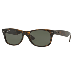 Ray Ban New Wayfarer Classic (Polarized/Like New) for Sale in Silver Spring, MD