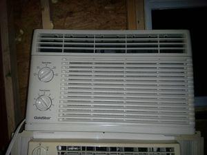 Golstar window ac unit 5250btu for Sale in Laurel, MD