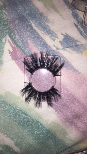 Lashes lashes lashes !😜❤️ for Sale in San Bernardino, CA