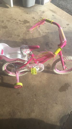 Little girls bicycle for Sale in Vienna, WV