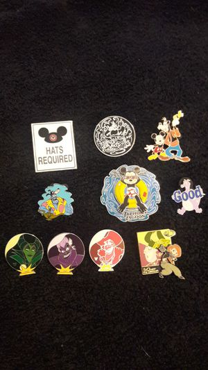 DISNEY WORLD PIN Mixed pin lot OF 10 ...Hidden MICKEYS RARE pins from 2005- 2007 for Sale in Fort Lauderdale, FL
