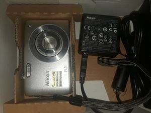 Nikon Cool Pix S3300 for Sale in Houston, TX