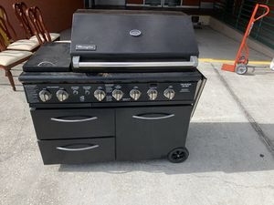 LARGE BBQ GRILL for Sale in Orlando, FL