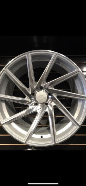 """F1r wheels 20"""" staggered 5 lug for Sale in Modesto, CA"""