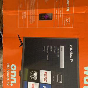 32 Inch Smart Tv Excellent Condition Still Has Box for Sale in Lynnwood, WA