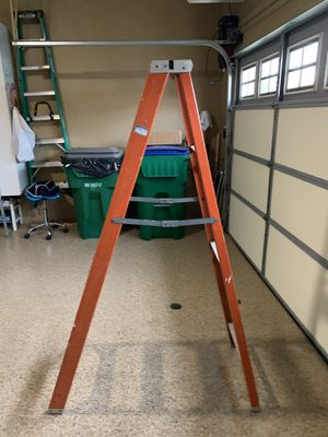 6 ft Fiberglass Ladder Great Condition for Sale in Mission Viejo, CA