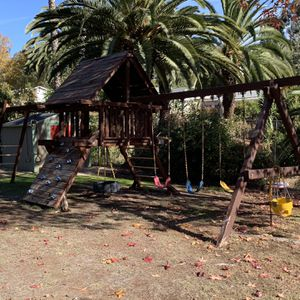 Rainbow Outdoor Redwood Play Ground Set Swing Structure for Sale in Spring Valley, CA